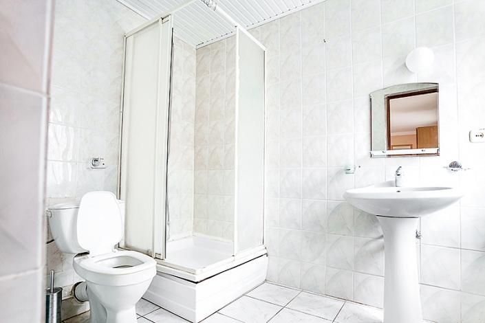 Туалетная комната Улучшенного двухместного номера пансионата Джемете