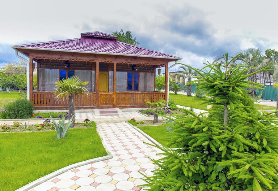 Кафе на территории гостевого дома Джугелия, Гагра, Цандрыпш