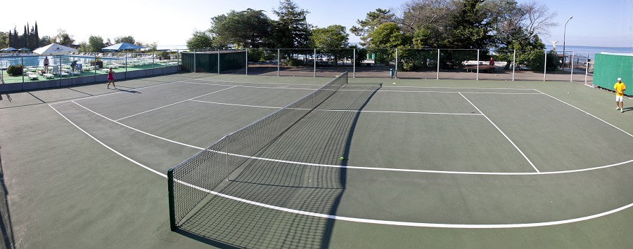 Теннисный корт пансионата Эдем