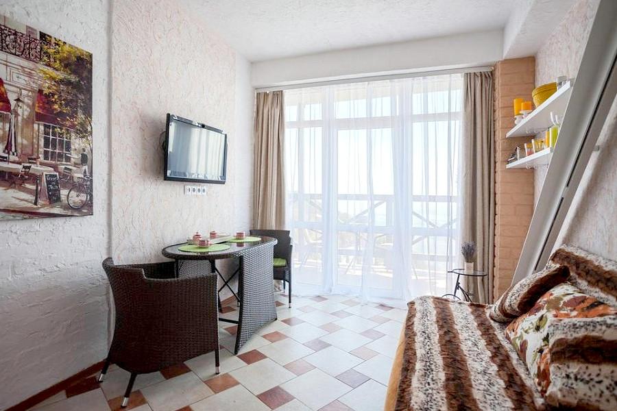 Апартаментв с балконом и видом на море КК Эко-Village