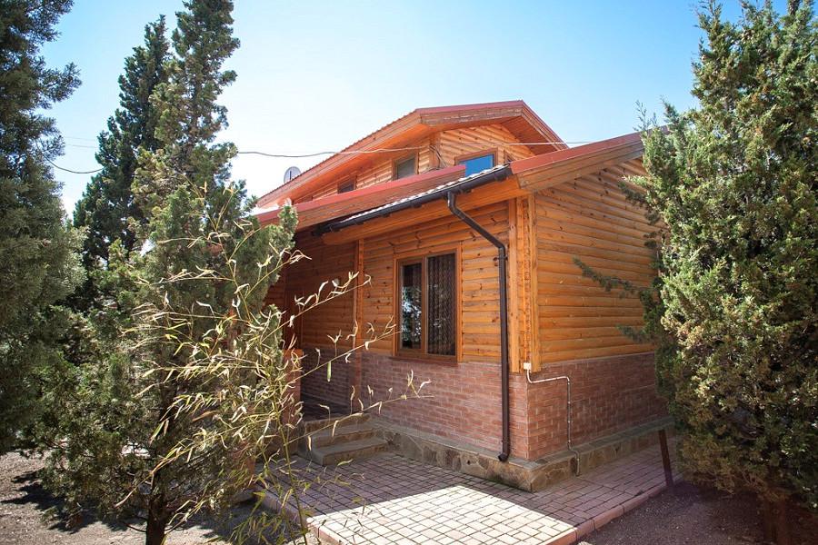 Коттедж двухэтажный пятиместный курортного комплекса Эко-Village