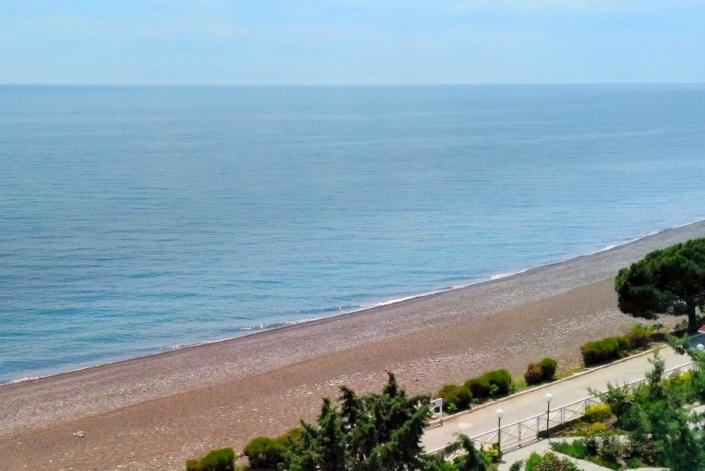 Пляж курортного комплекса Эко-Village