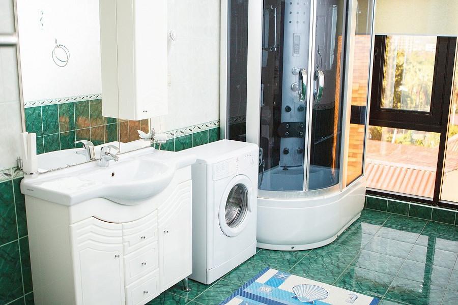 Туалетная комната номера Апартаменты Студия 3* отеля Экодом Адлер