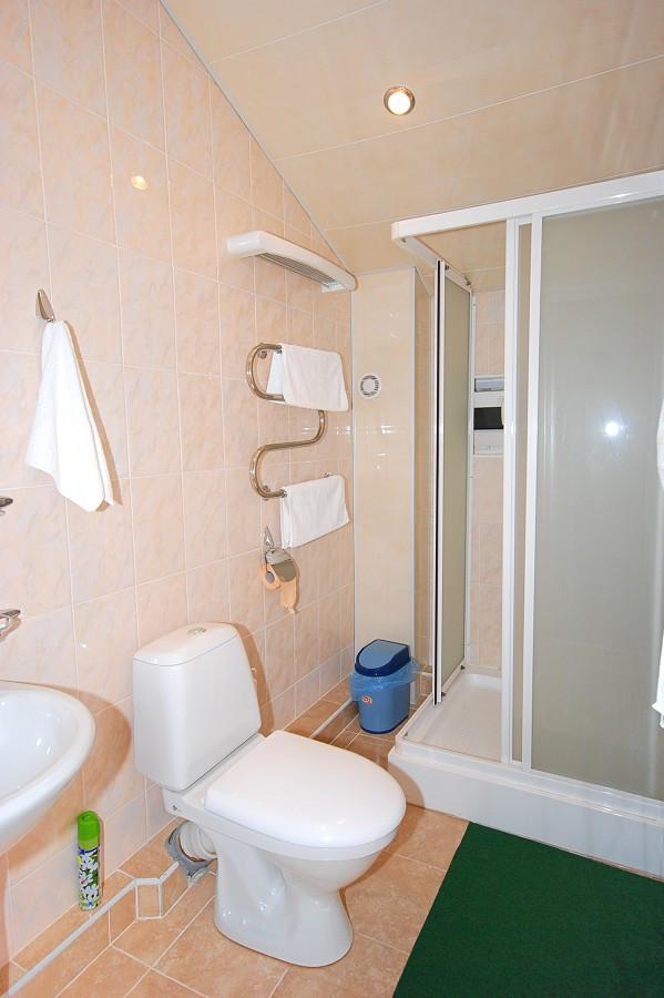 Туалетная комната в номере Полулюкс отеля Экодом Сочи
