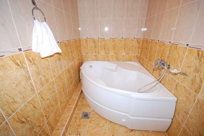 Ванная комната в номере Люкс Маэстро отеля Экодом Сочи
