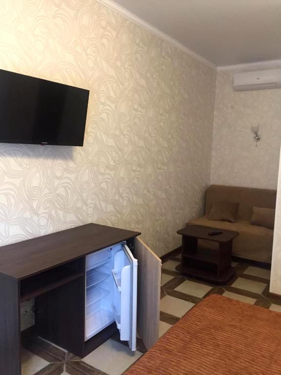 Стандарт трехместный гостевого дома Эльбрус