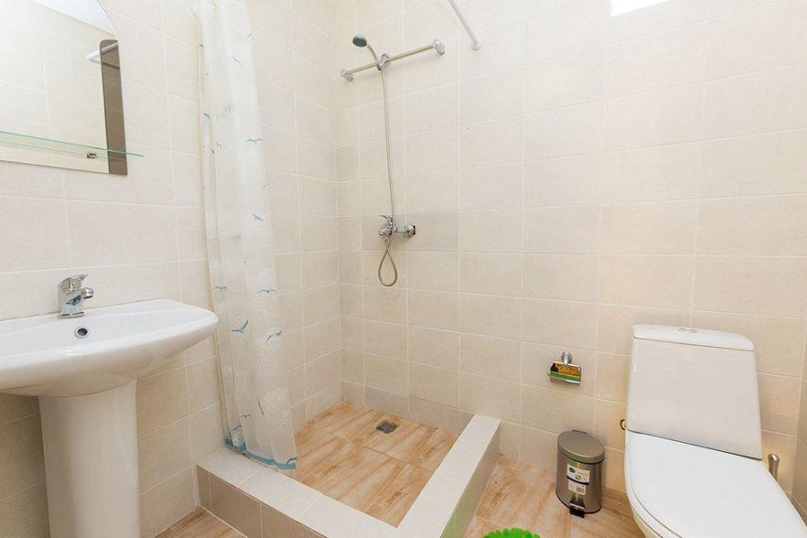 Туалетная комната в Стандартном номере отеля Элион