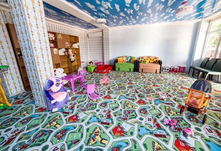 Детская комната отеля Эмеральд