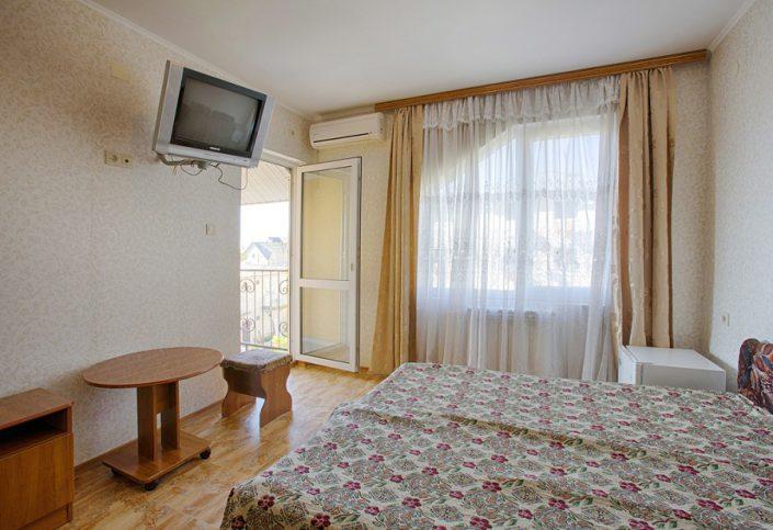 Двухместный расширенный номер в новом корпусе гостиницы Ева