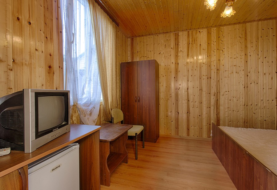Обстановка в коттедже гостиницы Ева