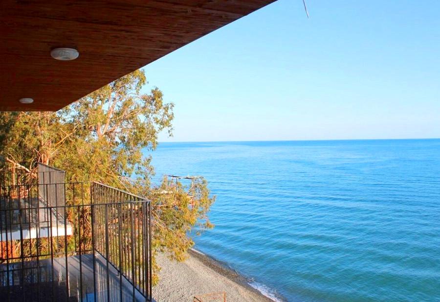 Вид на море с балкона номера в Новом корпусе пансионата Эвкалиптовая роща, Кындыг, Очамчыра, Абхазия