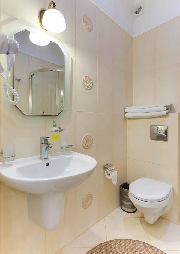 Туалетная комната номера Стандарт в отеле Евпатерион