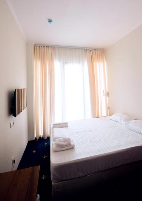 Эконом двухместный отеля Европа, Гагра, Абхазия