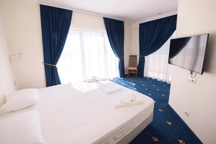 Люкс-Студия двухместный отеля Европа, Гагра, Абхазия