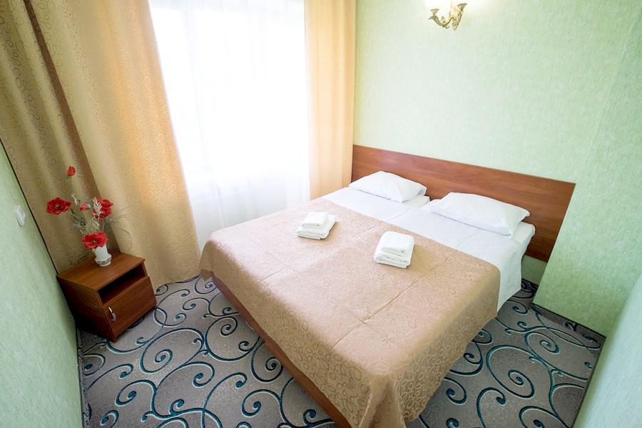 Полулюкс двухместный двухкомнатный отеля Family Resort