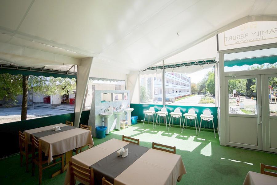 Ресторан отеля Family Resort