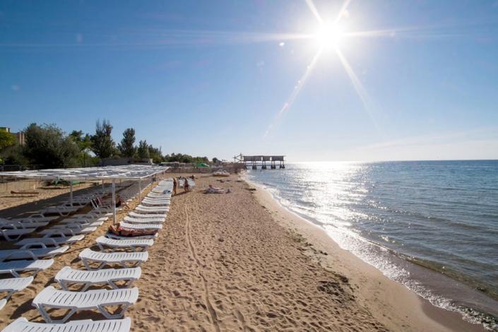 Пляж отеля Family Resort