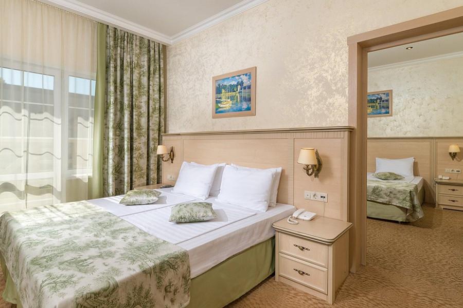 Супериор Семейный четырехместный двухкомнатный отеля Довиль
