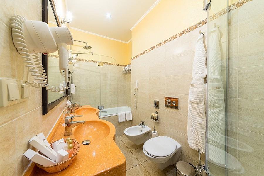 Туалетная комната номеров Сюит Супериор и Эксклюзив отеля Довиль