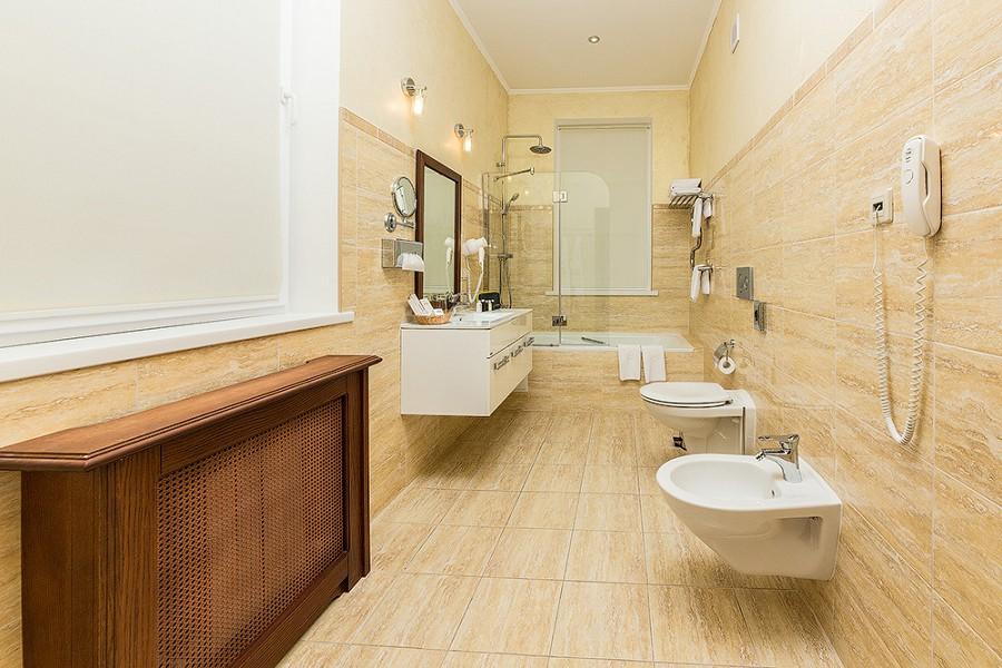 Туалетная комната номеров Апартамент Супериор и Эксклюзив отеля Довиль