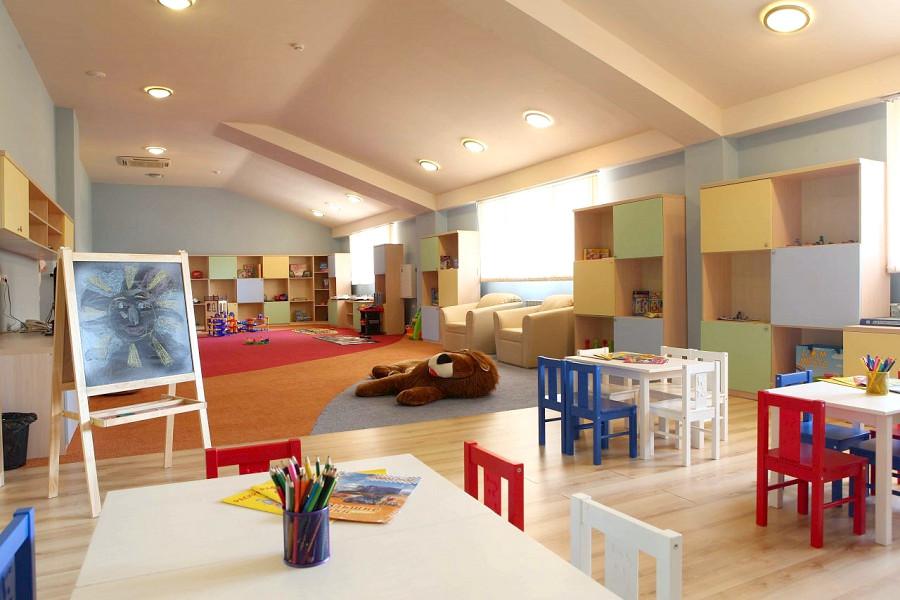 Детский клуб отеля Довиль