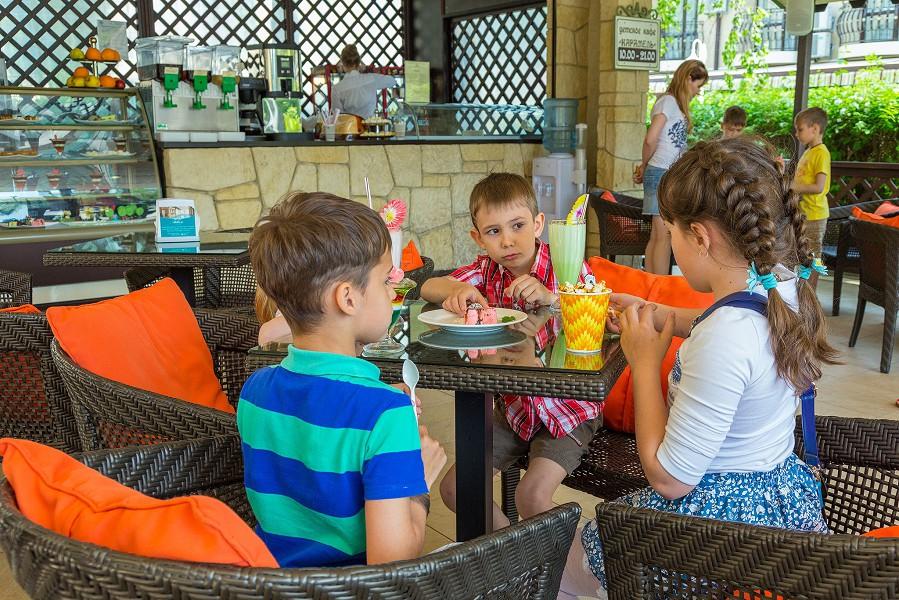 Кафе Карамелька отеля Довиль