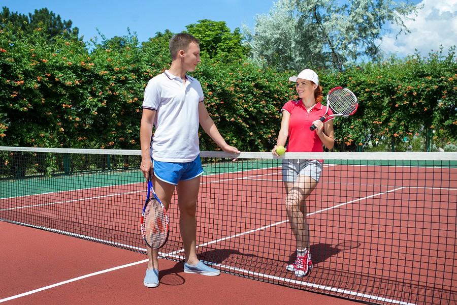 Теннисный корт отеля Ривьера