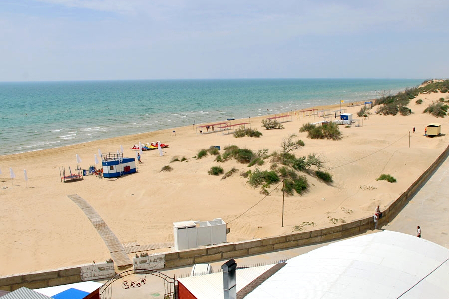 Пляж пансионата Фея-2 в Джемете