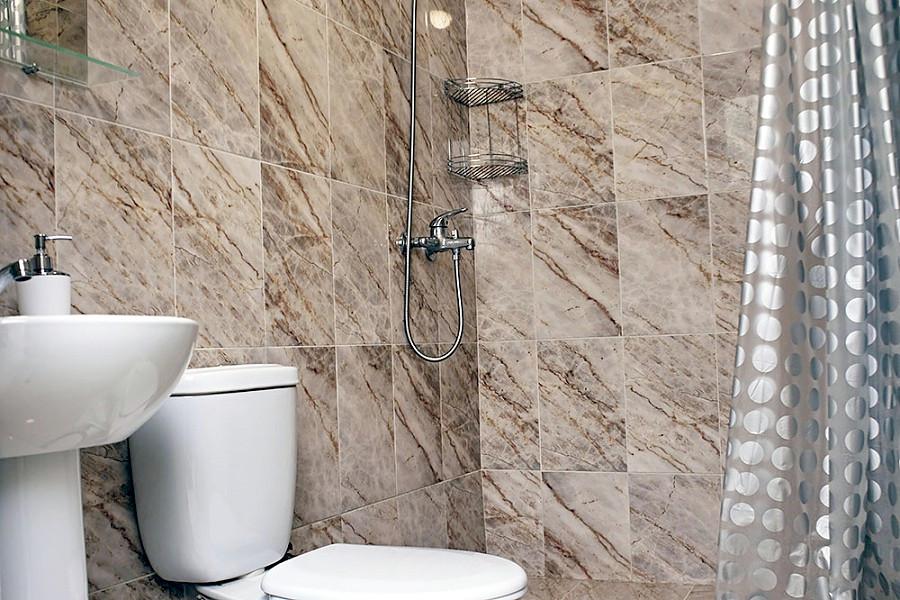 Туалетная комната Стандартного номера отеля Фламинго