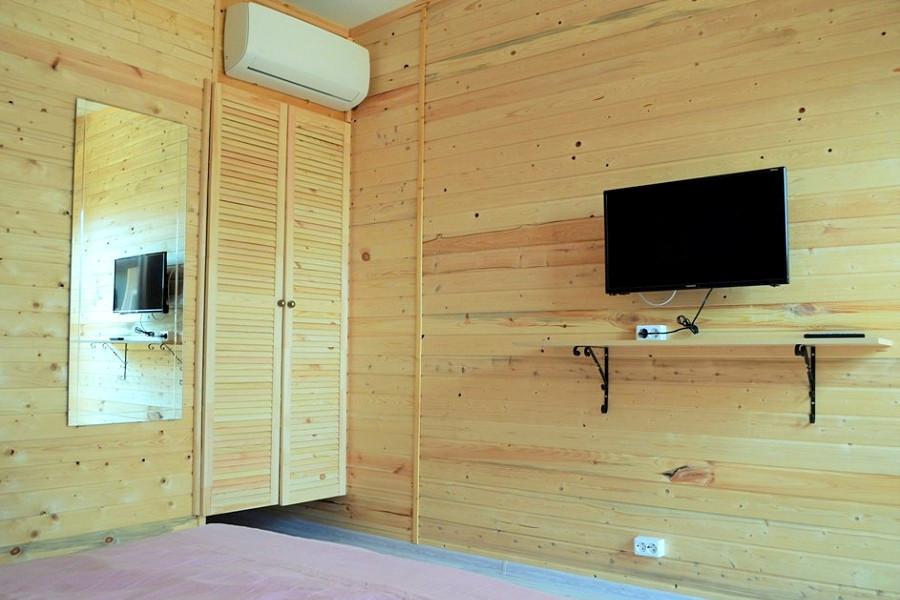 Обстановка в коттедже мини-отеля Forest Club