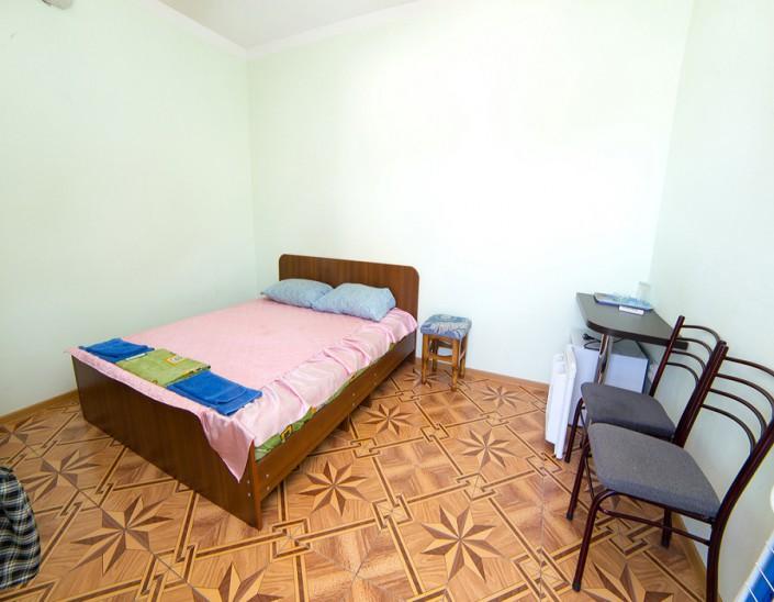 Номер с частичными удобствами гостевого дома Фортуна