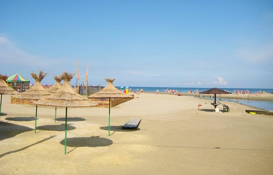 Пляж у отеля Фотини в Анапе