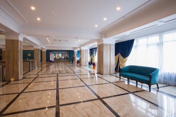 Холл пансионата Фрегат