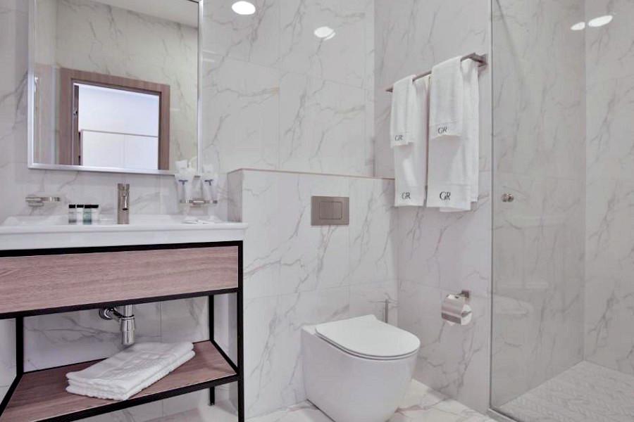 Туалетная комната в номере отеля Garden Resort Gagra, Абхазия