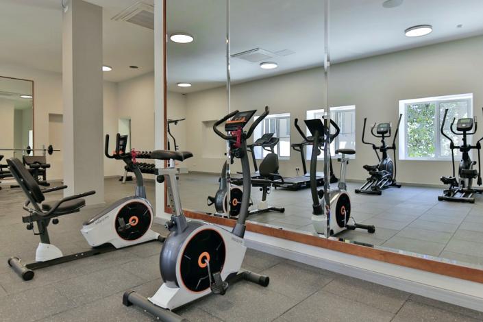 Фитнес-зал отеля Garden Resort Gagra