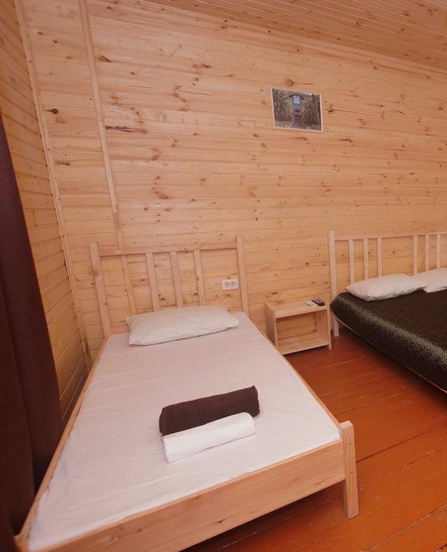 Стандартный трехместный номер гостевого дома Глория, Лдзаа, Пицунда, Абхазия