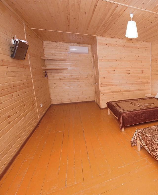 Стандартный четырехместный номер гостевого дома Глория, Лдзаа, Пицунда, Абхазия