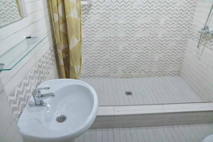 Туалетная комната Стандартного двухкомнатного номера мини-гостиницы Гнездо белой совы