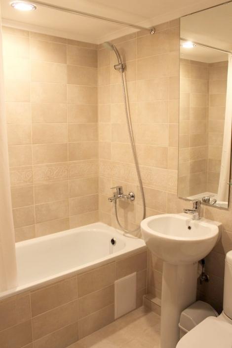 Туалетная комната Стандартного номера отеля Голубая лагуна
