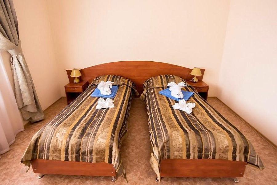 Люкс четырехместный двухкомнатный санатория Голубая волна