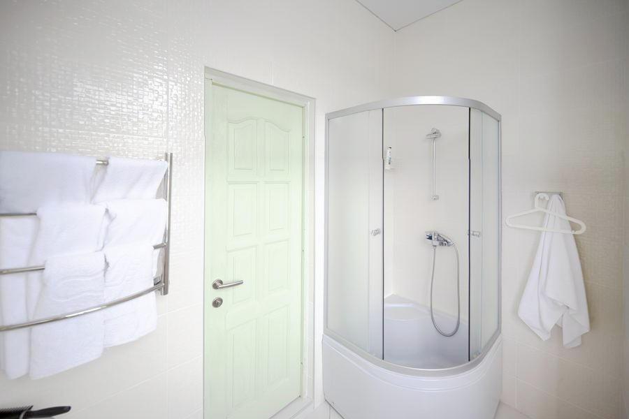 Туалетная комната номера Полулюкс отеля Гора царя Баграта