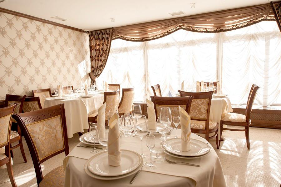 Ресторан апарт-отеля Горная Резиденция, Красная Поляна, Сочи