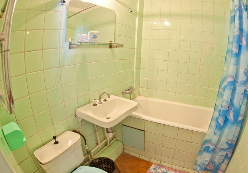 Туалетная комната двухместного номера в Корпусе № 4 санатория Горный