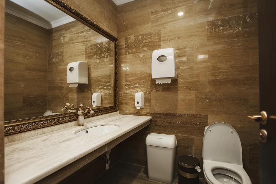 Туалетная комната номера в корпусе Атола лечебно-оздоровительного комплекса Горный воздух, Сочи