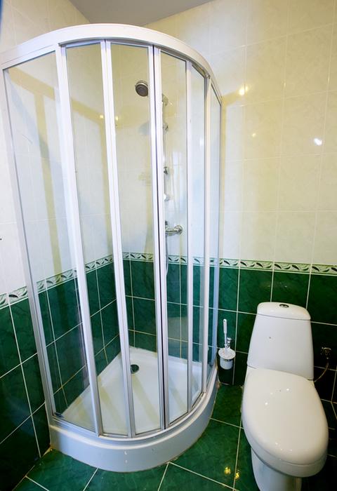 Туалетная комната Стандартного номера без балкона ЛОК Горный воздух, Сочи, Лоо