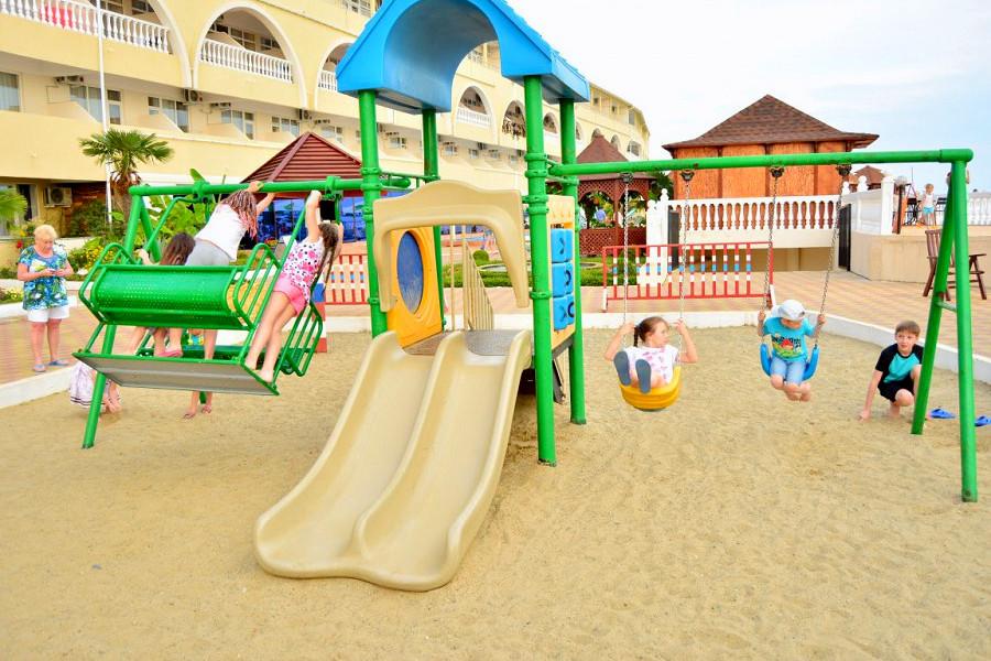 Детская игровая площадка ЛОК Горный воздух, Сочи, Лоо