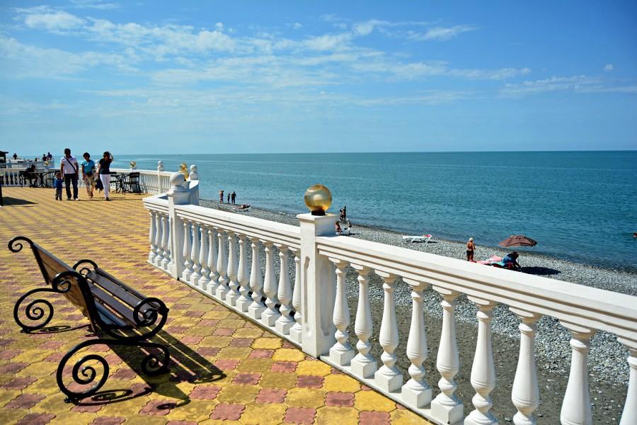 Набережная и пляж ЛОК Горный воздух, Сочи, Лоо
