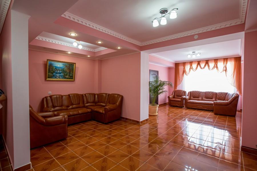 Холл корпуса Д лечебно-оздоровительного комплекса Горный воздух, Сочи