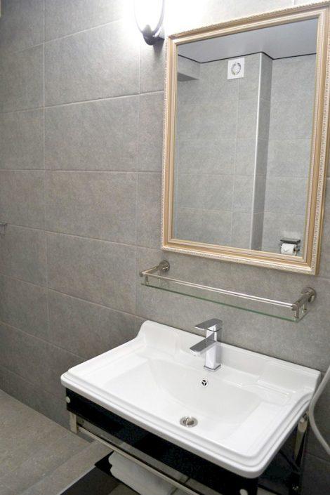 Туалетная комната Стандартного номера Grand Afon Hotel