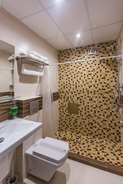 Туалетная комната номера Люкс Grand Hotel Gagra